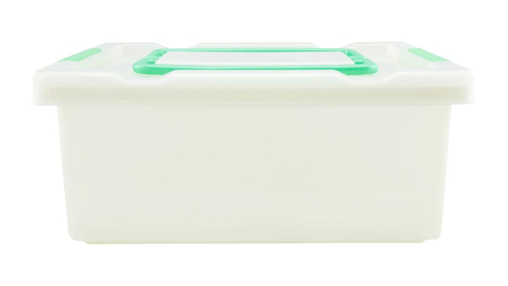 Plastmasas kaste apģērbiem